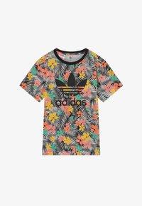 adidas Originals - TEE - Camiseta estampada - black/multicolour - 2