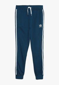 adidas Originals - TREFOIL PANTS - Verryttelyhousut - legend marine/white - 0