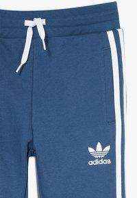 adidas Originals - TREFOIL PANTS - Jogginghose - marin/white - 3