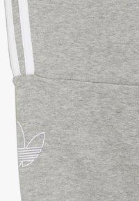 adidas Originals - OUTLINE JOGGERS - Trainingsbroek - grey - 2