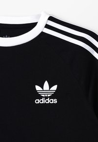 adidas Originals - 3 STRIPES TEE - Print T-shirt - black/white