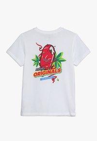 adidas Originals - GRAPHIC TEE - T-shirt imprimé - white/multicolor - 1