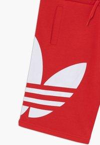 adidas Originals - Pantaloni sportivi - lusred/white - 3
