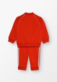 adidas Originals - SUPERSTAR SUIT SET - Træningssæt - action orange/white - 1