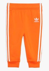 adidas Originals - SUPERSTAR SUIT SET - Survêtement - orange/white - 2