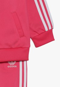 adidas Originals - SUPERSTAR SUIT SET - Tracksuit - pink/white