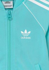 adidas Originals - SUPERSTAR SET - Felpa aperta - claqua/white - 4