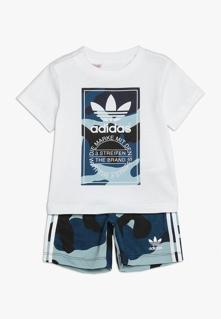 adidas Originals - CAMO TEE SET - Shorts - white/multcoloured