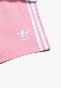 adidas Originals - TEE SET - Shorts - white/light pink - 5