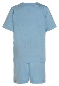 adidas Originals - TEE SET - Shorts - clesky/white - 1