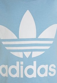 adidas Originals - TEE SET - Shorts - clesky/white - 4