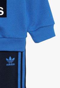 adidas Originals - CREW SET - Trainingspak - blue/collegiate navy/white - 3
