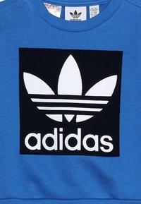 adidas Originals - CREW SET - Trainingspak - blue/collegiate navy/white - 5