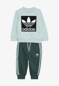 adidas Originals - CREW SET - Chándal - light green - 3