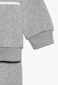 adidas Originals - OUTLINE CREW - Survêtement - grey/white - 4