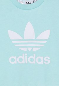 adidas Originals - CREW SET - Collegepaita - clear aqua/white - 5