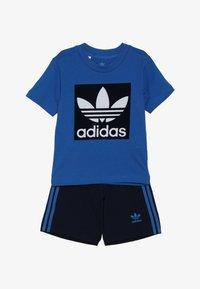adidas Originals - SHORT TEE SET - Kraťasy - blue/collegiate navy/white - 4