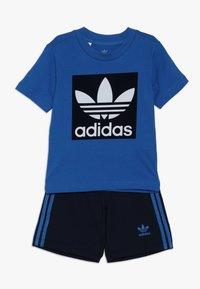 adidas Originals - SHORT TEE SET - Kraťasy - blue/collegiate navy/white - 0