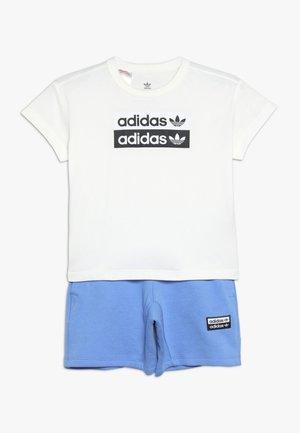 V COCAL SHORT SET - Pantalones deportivos - chalk white