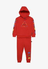 adidas Originals - PHARRELL WILLIAMS SET - Treningsdress - red - 3