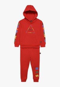 adidas Originals - PHARRELL WILLIAMS SET - Treningsdress - red - 0