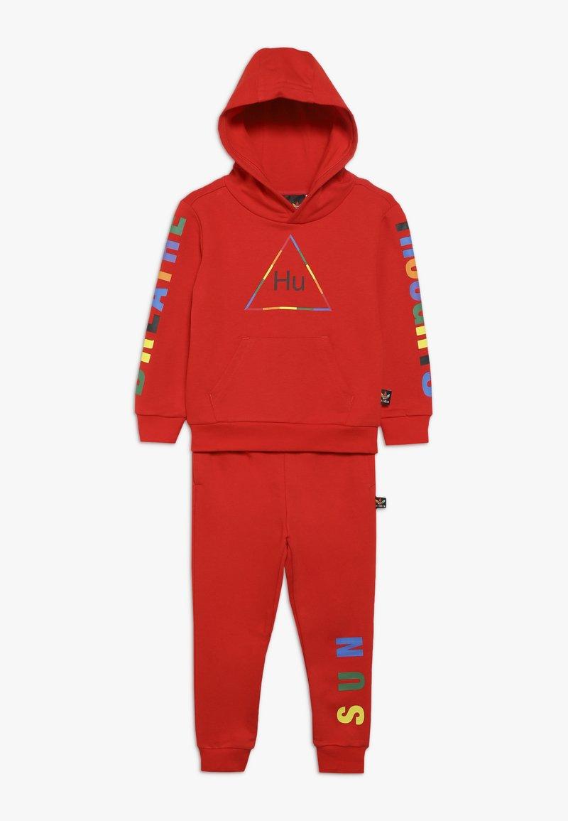 adidas Originals - PHARRELL WILLIAMS SET - Treningsdress - red