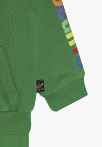 adidas Originals - PHARRELL WILLIAMS TBIITD HD SET - Survêtement - green - 7
