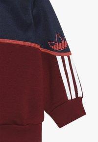 adidas Originals - OUTLINE CREW - Sudadera - nindig/cburgu/white - 4