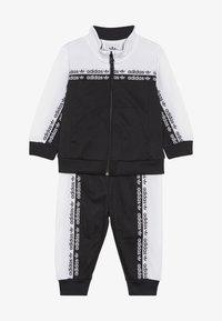 adidas Originals - TRACKSUIT - Chaqueta de entrenamiento - black/white - 3