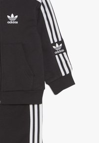 adidas Originals - LOCK UP HOODIE SET - Tuta - black/white