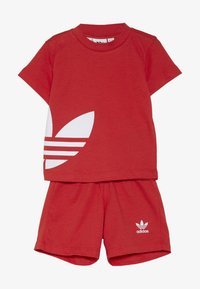 adidas Originals - BIG TREFOIL SET - Pantaloni - lusred/white