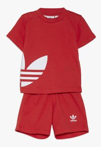 adidas Originals - BIG TREFOIL SET - Pantaloni - lusred/white - 0