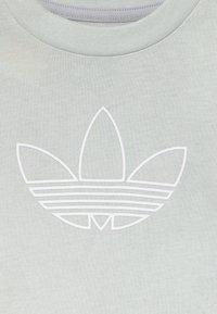 adidas Originals - OUTLINE SET - Kraťasy - light grey - 3