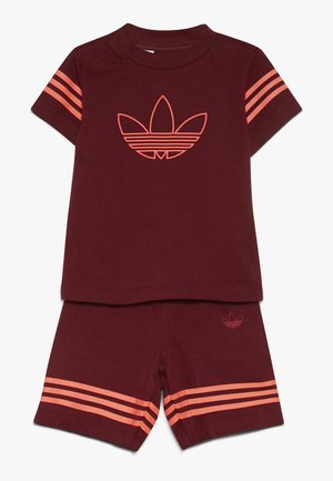 OUTLINE SET - Shorts - burgundy
