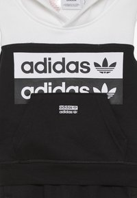 adidas Originals - HOODIE SET - Jersey con capucha - black/white - 4