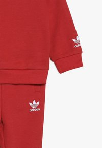 adidas Originals - BIG TREFOILCREW SET - Træningssæt - red/white - 4