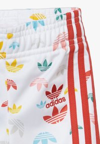 adidas Originals - SET - Zip-up hoodie - white/multcoloured/red - 3