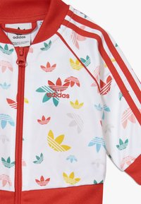 adidas Originals - SET - Zip-up hoodie - white/multcoloured/red - 5