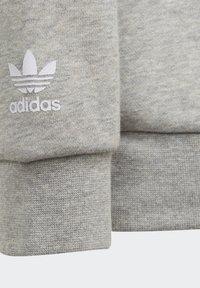 adidas Originals - BIG TREFOIL CREW SET - Tracksuit - grey - 2