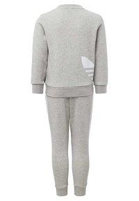 adidas Originals - BIG TREFOIL CREW SET - Tracksuit - grey - 1