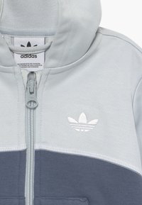 adidas Originals - OUTLINE HOOD SET - Trainingsanzug - light grey - 4