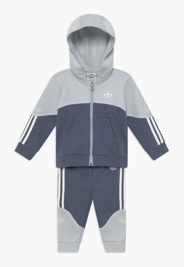 OUTLINE HOOD SET - Trainingsanzug - light grey