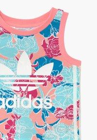 adidas Originals - TANK SET - Pantalones - pink - 4