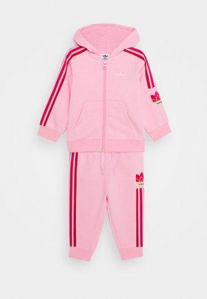 TREFOILHOOD SET - Sweatjacke - light pink