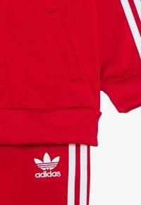 adidas Originals - TRACKSUIT SET - Survêtement - scarlett/white - 3