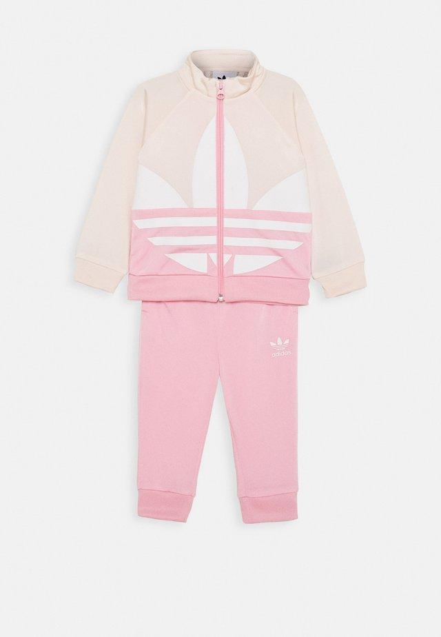 BIG TREFOIL SET - Trainingsvest - pink/white
