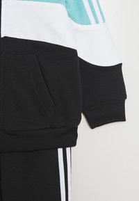 adidas Originals - HOODIE SET - Sudadera con cremallera - bluspi/white/black - 3