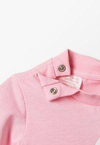 adidas Originals - TREFOIL TEE - Triko spotiskem - pink/white - 2