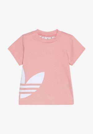 BIG TREFOIL TEE - Camiseta estampada - glopnk/white