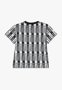 adidas Originals - TEE - T-shirt print - white/black